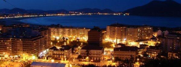 La primera canción que canta las noches en la ciudad de Laredo (Cantabria)...