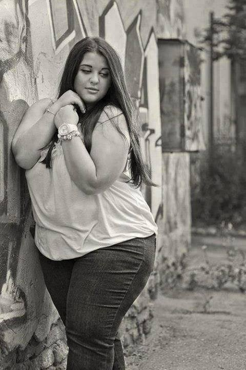 • Aimez si vous pensez qu'elle est belle comme elle est  • Ignorer si vous pensez qu'elle est laide !-_-