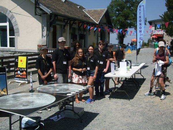 LA SEMAINE DE L'ASTRONOMIE c'est cette semaine du lundi 13 au vendredi 17 juillet de 14h à 17h au Pic du Jer à Jer à Lourdes... Retour en images, aujourd'hui mardi 14 juillet, avec toujours une grosse équipe de jeunes, sous un superbe soleil bien actif et bien chaleureux !! Reportage de Lucien :