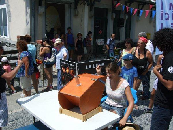 LA SEMAINE DE L'ASTRONOMIE c'est cette semaine du lundi 13 au vendredi 17 juillet de 14h à 17h au Pic du Jer à Jer à Lourdes... Retour en images, aujourd'hui jeudi 16 juillet, toujours du monde sur les photos et un gros gros soleil avec en fin d'après-midi des nuages et un peu de fraicheur !! Reportage de Lucien :