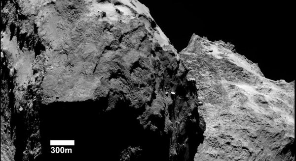 ROSETTA INFO DIRECT : SAMEDI 18 JUILLET 19h RETOUR SUR 8 IMAGES de la comète 67 p /Churyumov-Gerasimenko prise par les caméras OSIRIS et NAVCAM de la sonde ROSETTA entre le 5 septembre et le 13 octobre dernier, à une distance de 26 à 60km de la comète !!. (Source ESA-CNES)
