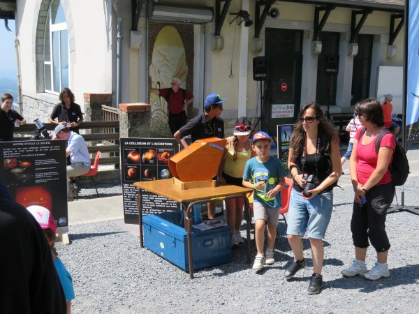 LA SEMAINE DE L'ASTRONOMIE c'est cette semaine du lundi 3 au vendredi 7 août de 14h à 17h au Pic du Jer à Jer à Lourdes...avant la grande nuit des étoiles le samedi 8 août !! Retour en images sur cette journée avec du soleil et toujours pas mal de monde...