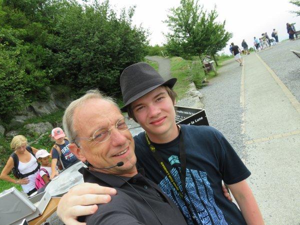 Pour cette nouvelle après-midi au sommet du Pic du Jer, dédicace spéciale à Lucien, qui est monté à pied et qui a commencé à placer sur le site toute l'exposition... et à Jimmy, Baptiste et David qui ont géré une famille anglaise dans un anglais parfait !!!