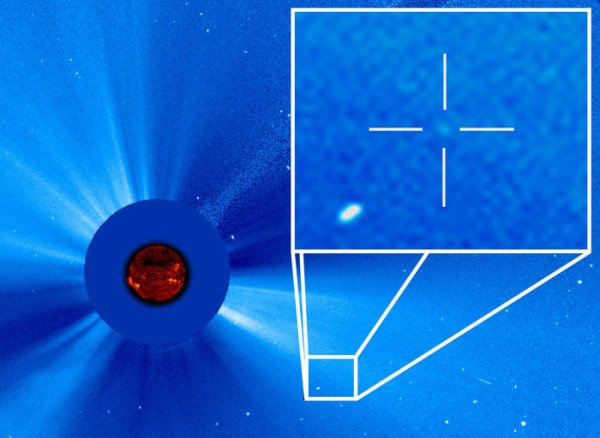 L'IMAGE DU JOUR : 3.000 COMÈTES observées par le TÉLESCOPE SPATIAL ET SOLAIRE SOHO ce 14 Septembre 2015. SOHO a été lancé en 1995 avec pour objectif d'observer et d'étudier la couronne solaire, grâce à un système de coronographe qui cache le disque solaire. Sa trois millièmes comètes a été observé avec succès à son passage à proximité du Soleil. (Source ESA-NASA)