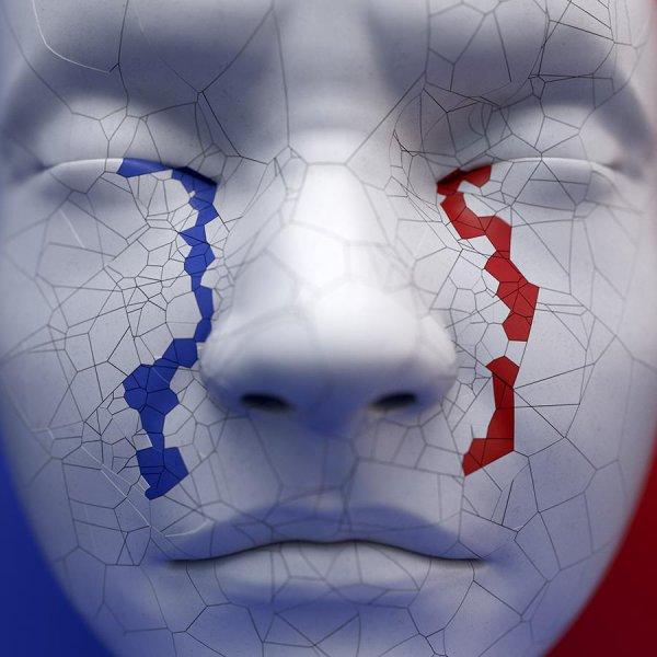 DEUIL !! Aujourd'hui nous pleurons et nous prions... ensemble, de Lourdes à Paris, de France aux États Unis...! Mais toujours avec plein d'Espérance, d'Amour et de Paix ! (Les membres de l'Astro Club Lourdais)