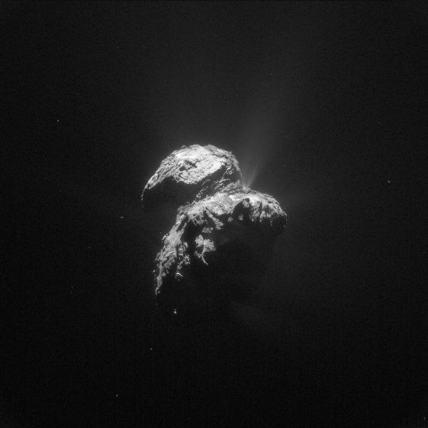 ROSETTA INFO DIRECT : VENDREDI 27 NOVEMBRE 2015 : 15h30 L'IMAGE DU JOUR : La sonde ROSETTA retrouve la comète 67P/Churyumov-Gerasimenko avec cette photo prise par la caméra NAVCAM ce 22 Novembre 2015, à 127.7 km du centre de la comète. La sonde ROSETTA va se rapprocher de la comète pour tenter de rentrer en contact avec PHILAE ! A suivre... (Sources ESA-CNES)