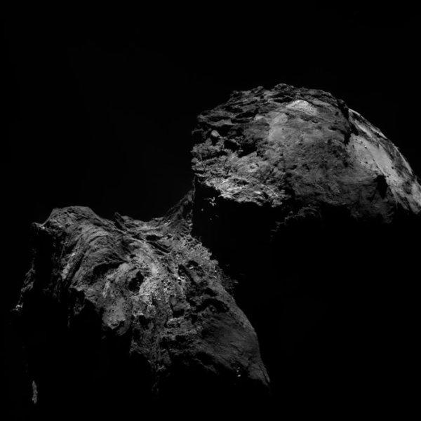 ROSETTA INFO DIRECT : DIMANCHE 13 DÉCEMBRE 2015 : 21h L'IMAGE DU JOUR : Une nouvelle et superbe image de la comète 67P/Churyumov–Gerasimenko, prise ce 10 décembre 2015 par la caméra OSIRIS de la sonde ROSETTA à 103,3 km de la comète !! (Sources ESA-CNES)