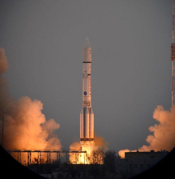 EXOMARS 2016 INFO : EN ROUTE POUR MARS ! Le décollage a bien eu lieu ce matin, 14 mars à 10h31. La sonde EXOMARS a bien été lancé par une fusée proton-M de Baïkonour, au Kazakhstan ! (Source ESA)