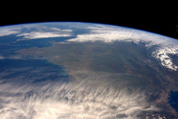 L'IMAGE DU JOUR : CIEL DÉGAGÉ sur la France !! Une nouvelle photo de l'astronaute de l'ESA, Tim Peake prise depuis la Station Spatiale Internationale, la semaine dernière ! (Source ESA)