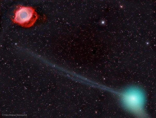 La comète PanSTARRS et la nébuleuse Helix :  [La comète PanSTARRS et la nébuleuse Helix] Dimanche 5 juin 2016  Il est rare que des objets si différents soient photographiés si proches l'un de l'autre. Une telle opportunité se présente en ce moment, comme en témoigne cette image prise il y a deux jours depuis l'archipel espagnol des Canaries. En bas à droite, entourée de sa chevelure verte, la comète C/2013 X1 (PanSTARRS) émet une rarissime double queue d'ions bleutée. Depuis sa découverte en 2013, cette gigantesque boule de neige ne cesse de gagner en éclat à mesure qu'elle s'approche du Soleil. Si elle se révèle très intéressante à photographier en longue pose, cette comète PanSTARRS ne devrait guère être palpitante à observer à l'oeil nu lorsqu'elle atteindra son maximum de luminosité le mois prochain. En haut à gauche, la rougeoyante nébuleuse Helix est tout aussi pittoresque bien que beaucoup plus éloignée (700 années-lumière) et présentera l'avantage de rester digne d'intérêt pendant plusieurs milliers d'années.