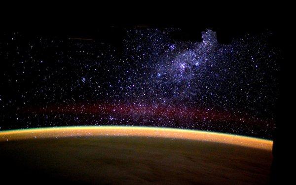 L'IMAGE DU JOUR : LA VOIE LACTÉE MONTANTE ! L'astronaute de l'ESA Tim Peake a posté cette image étonnante sur les réseaux sociaux, en direct de la Station Spatiale Internationale ! (Source ESA-NASA)