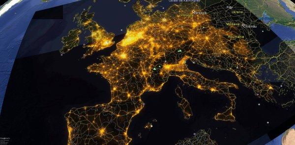 Cartes de pollution lumineuse européenne - AVEX 2016 De nouvelles cartes de pollution lumineuse viennent d'être mis à jour par l'AVEX. Après plusieurs mois de travail, AVEX présente les nouvelles cartes de pollution lumineuse actualisées sur la France. Comme les dernières cartes européenne et françaises, ces nouvelles cartes s'appuient sur le CORINE Data Land Cover Ces données, commandées par la Commission Européenne, représentent le taux d'artificialisation des sols. C'est un travail long et minutieux, ce qui explique que, commencées en 2012, ces cartes ne sont disponibles que cette année. (Source AVEX2016)