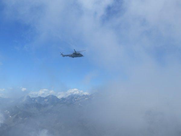 Quelques images du Pic du Midi entre les nuages !! Images du jour par Christine E. et Philippe P. les deux OA de service au Pic.