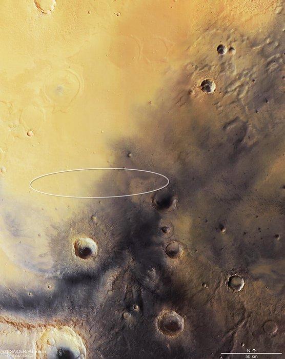 EXOMARS INFO : COUP DE PROJECTEUR SUR LE SITE D'ATTERRISSAGE DE SCHIAPARELLI ! Schiaparelli, le Module Démonstrateur d'Entrée, Descente et Atterrissage de la mission conjointe ESA/Roscosmos, ExoMars 2016, ciblera la région de Meridiani Planum pour son atterrissage prévu au mois d'octobre sur la planète MARS, comme le montre cette mosaïque composée à partir d'images obtenues par Mars Express. L'ellipse d'atterrissage, qui mesure 100 x 15 km, se trouve près de l'équateur, sur les hauts-plateaux de l'hémisphère sud de Mars. La région, relativement plane et lisse, a été choisie précisément en fonction de ces caractéristiques, visibles dans la carte topographique, afin de répondre aux exigences de sécurité nécessaires à l'atterrissage de Schiaparelli. (Sources ESA/ROSCOMOS)