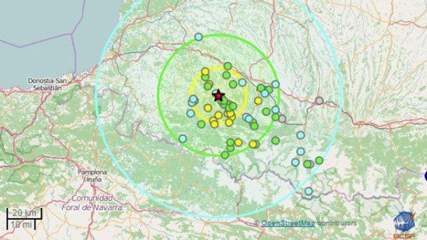 RISQUES SISMIQUES : Les Pyrénées, (épi)centre des inquiétudes en France ! La terre a tremblé dans le centre de l'Italie dans la nuit de ce mardi à mercredi. Le bilan n'est que provisoire mais il est déjà très lourd : au moins 73 morts, des dizaines de blessés et de disparus et un village rayé de la carte. Un autre séisme a eu lieu de l'autre côté du globe, ce mercredi en Birmanie, d'une magnitude de 6,8 sur l'échelle de Richter (6,2 pour l'Italie), ne faisant pas de victimes. Même si aucun séisme mortel n'a eu lieu en France depuis celui d'Arrete (Pyrénées-Atlantiques) en 1967 qui avait fait une victime indirecte, la terre tremble en moyenne tous les 15 jours. La chaîne des Pyrénées est ainsi née au carrefour des plaques africaine et eurasienne, ce qui occasionne des séismes fréquent. Si beaucoup sont de faible magnitude et ne causent aucun dégâts, d'autres ont été ressentis par la population. Les scientifiques en sont pourtant certains : un séisme plus important, équivalant à celui qui vient de frapper l'Italie, secouera les Pyrénées. Comme tous les phénomènes géologiques, impossible de prédire avec précision sur l'échelle du temps humain à quel moment un séisme majeur se produira, mais une chose est sûre les Pyrénées n'ont pas fini de sursauter. (Sources BCSF-Fr3)