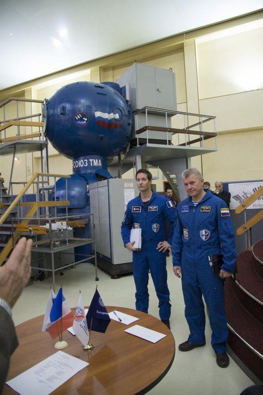 L'IMAGE DU JOUR : L'astronaute de l'ESA Thomas PESQUET au Centre de formation des cosmonautes Gagarine près de Moscou, en Russie. Thomas valide la fin de la formation pour sa mission Proxima sur la Station spatiale internationale, prévue pour Novembre 2016. Il passera six mois à vivre et à travailler sur la station dans le cadre des expéditions 49 et 50. Thomas sera lancé dans l'espace en même temps que le cosmonaute Oleg Novitskiy et astronaute de la NASA Peggy Whitson. (Source ESA)