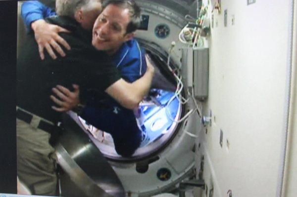 MISSION PROXIMA avec Thomas PESQUET : 20 Novembre 2016 DIRECT CONTACT : L'astronaute français de l'ESA Thomas PESQUET est à bord de l'ISS !