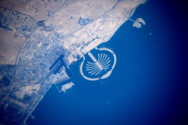 MISSION PROXIMA avec Thomas PESQUET : 10 Décembre 2016. LA TERRE VUE DE L'ISS : LES ÎLES ARTIFICIELLES DE DUBAÏ ! (Sources ESA-TP)