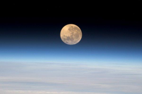 MISSION PROXIMA avec Thomas PESQUET : 15 Décembre 2016. LA PLEINE LUNE VUE DE L'ISS ! (Sources ESA-TP)