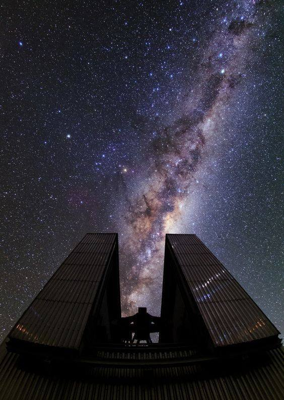 L'IMAGE DU JOUR : LA VOIE LACTÉE notre galaxie vue depuis l'observatoire de l'ATACAMA au Chili. (Source ESO)