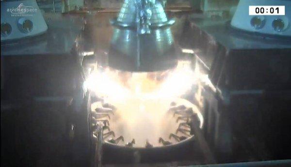 ESPACE INFO : NOUVEAU SUCCÈS POUR ARIANE V 236 Le lanceur a décollé avec succès cette nuit et a mis en orbite deux satellites ! (Source CNES)