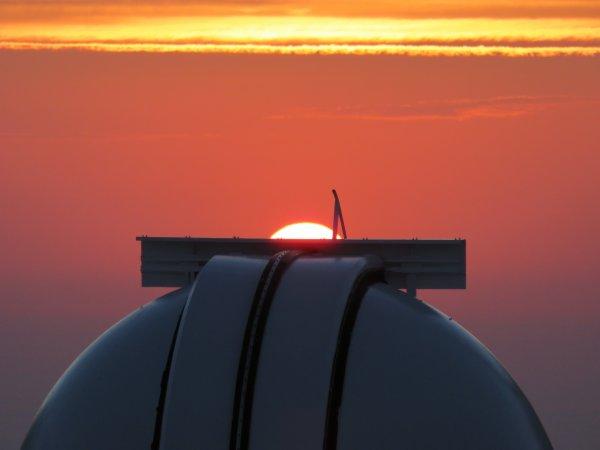DEUXIÈME JOURNÉE DE MISSION avec CLIMSO au Pic du Midi, avec un superbe coucher de Soleil !