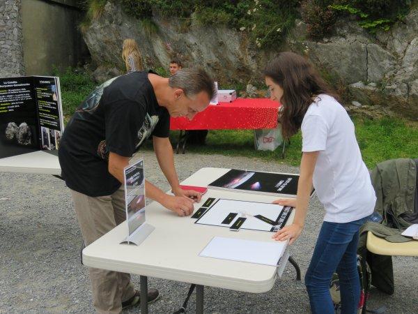 DEUXIÈME SEMAINE DE L'ASTRONOMIE c'est à LOURDES, au sommet du PIC du JER du 14 au 18 Août de 14h à 17h pour des observations du Soleil, et une animation ludique et pédagogique sur LES COMÈTES, avec les jeunes membres de l'ASTRO CLUB LOURDAIS. LE REPORTAGE PHOTO DU JOUR...