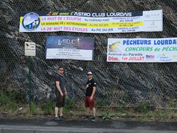L'IMAGE & L'INFO ASTRO DU JOUR : LA BANDEROLE EST EN PLACE AU ROND POINT DU PIC DU JER ! Voici le programme des animations de cet été avec les jeunes membres de l'ASTRO CLUB LOURDAIS : Au Château Fort, La NUIT de l'ECLIPSE le vendredi 27 juillet. Et au Pic du Jer, La semaine de l'ASTRONOMIE du lundi 30 juillet au vendredi 3 août de 14h à 18h et la NUIT DES ÉTOILES le samedi 4 août 2018. (Merci Jéjé et Paulo pour la mise en place de la banderole !)
