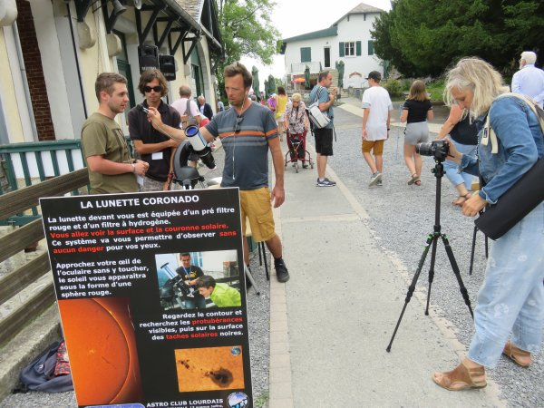 LA SEMAINE DE L'ASTRONOMIE au PIC du JER, REPORTAGE DU JOUR : Quand les jeunes de l'ASTRO CLUB LOURDAIS deviennent des stars et se font même interviewés comme des pros !!