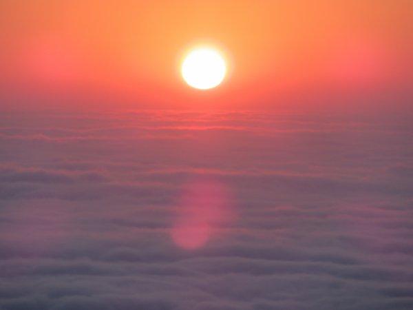 MISSION AU PIC DU MIDI : Nouveau lever de Soleil pour vous souhaiter une belle et bonne journée ...