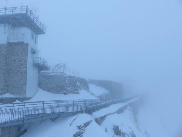 Pas d'observation hier au sommet ! Tempête, gros vent… et le Pic pour nous !