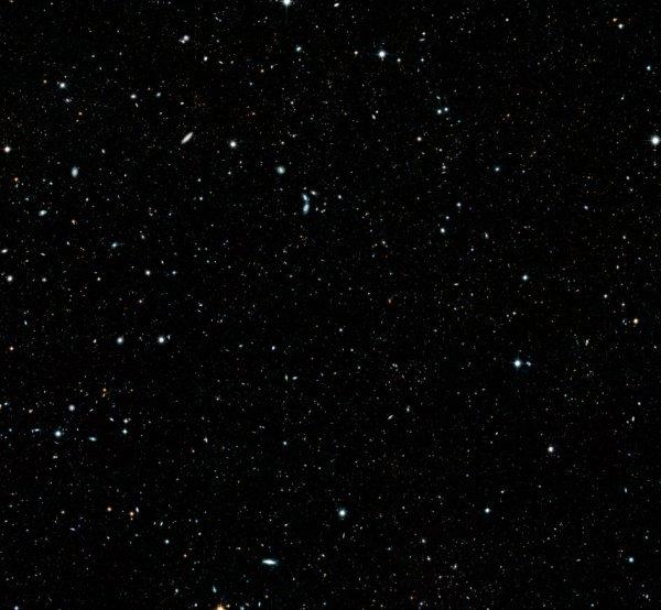 """L'IMAGE & L'INFO ASTRO DU JOUR : """"HUBBLE LEGACY FIELD"""" : 265.000 GALAXIES RÉUNIES SUR UNE SEULE IMAGE ! Les astronomes ont développé une mosaïque de l'univers lointain qui documente 16 années d'observations effectuées par le télescope spatial HUBBLE de la NASA. L'image, appelée """"Hubble Legacy Field"""", contient environ 265 000 galaxies qui remontent à 500 millions d'années seulement après le Big Bang, à plus de 13 milliards d'années-lumière de la Terre. Une image captivante ! (Sources NASA-HUBBLE-ESA)"""
