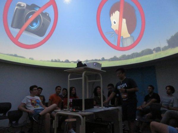 LE POINT SUR LE NOUVEAU COLLÈGE SAINT JOSEPH PEYRAMALE, photos du 15 juillet 2019, et de l'ESPACE ASTRONOMIE de l'ASTRO CLUB LOURDAIS… PREMIÈRE JOURNÉE DE FORMATION, avec les concepteurs espagnols, du PLANETARIUM numérique avec des images, de la vidéo et du son… Un petit bijou de technologie, sous sa coupole de 5m de diamètres UNIQUE dans un établissement scolaire en France !