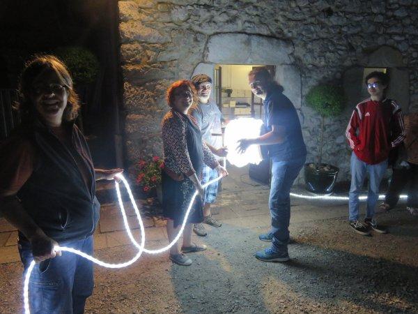 NUIT DES ÉTOILES avec l'ASTRO CLUB LOURDAIS au Château Fort : un énorme MERCI aux 30 jeunes membres du club pour avoir, une nouvelle fois, animés de mains de maitre cette soirée. BRAVO à vous ! Merci aux personnels du Château Fort de lourdes. Merci à vous public, venu très nombreux à cette soirée (693 personnes). Et maintenant BONNES VACANCES A TOUS !