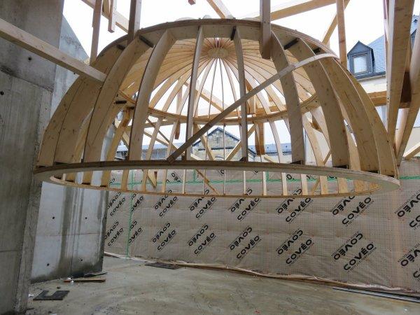 LES IMAGES & L'INFO ASTRO DU JOUR : IL Y A UN AN, photos du 14 Décembre 2018 : LE POINT SUR LES TRAVAUX du nouveau collège Saint Joseph Peyramale, avec le futur pôle « ESPACE ASTRONOMIE » de l'ASTRO CLUB LOURDAIS. LA COUPOLE DU FUTUR PLANÉTARIUM de 5 mètres de diamètre est posée!