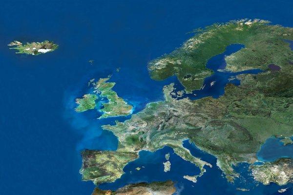 L'IMAGE ASTRO & LA PENSÉE PERSONNELLE DU JOUR : MERCI AUX SOIGNANTS ! L'Europe et le bassin méditerranéen photographié par le radiomètre du satellite européen de télédétection de l'ESA, l'ERS-2. Notre Europe est malade ! Mais aujourd'hui devant ce moment de crise, de confinement, d'épreuves, que nous vivons tous ensemble, ayons vraiment une pensée pour tous ceux qui se battent, dans l'ombre, pour nous aider et nous sauver, les soignants ! Avec peut-être la trouille au ventre, ils sont là face à la maladie pour faire leur métier, soit, mais avec courage et abnégation... Et nous petitement nous devons être là, simplement là, par la force de notre prière pour les soutenir... Une prière simple et sincère, discrète car dite dans le secret de notre c½ur, et profonde car dite avec toute notre petite foi d'homme et de femme, faisant partie de cette humanité qui est une, et unique communauté de cette Terre en souffrance aujourd'hui ! Alors oui MERCI à toi l'ami soignant, frère en humanité ! Et une grosse pensée, pour toutes les personnes qui se relaient pour nous servir dans tous les lieux alimentaires que nous côtoyons ! Prenez soin de vous et de vos proches.