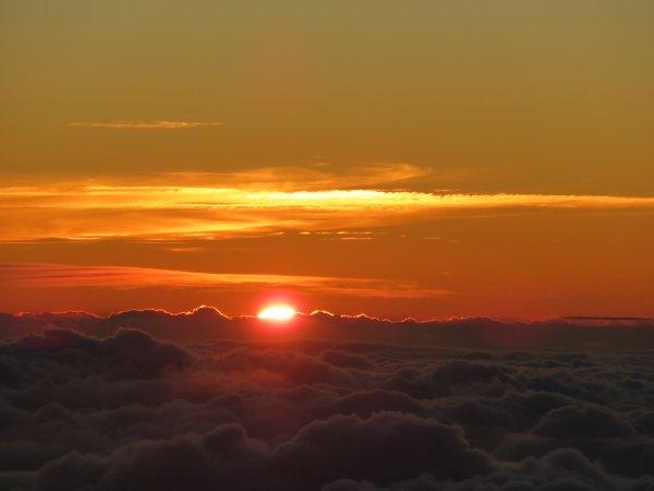 UNE JOURNEE AU PIC DU MIDI du lever au coucher du Soleil…