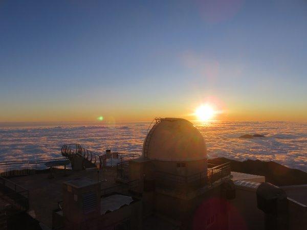 UNE NOUVELLE JOURNEE AU PIC DU MIDI du lever au coucher du Soleil…