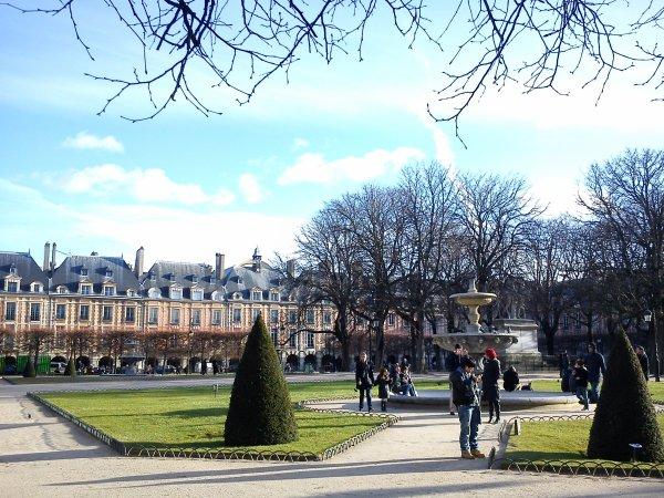 Place des Vosges... 2eme place la plus ancienne de Paris
