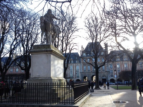 Statue equestre de Louis XIII