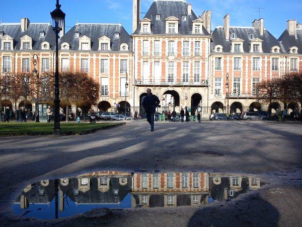 Place des Vosges ensoleillee