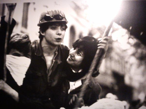 Les amoureux - mai 68 - Expo Peurs sur la ville
