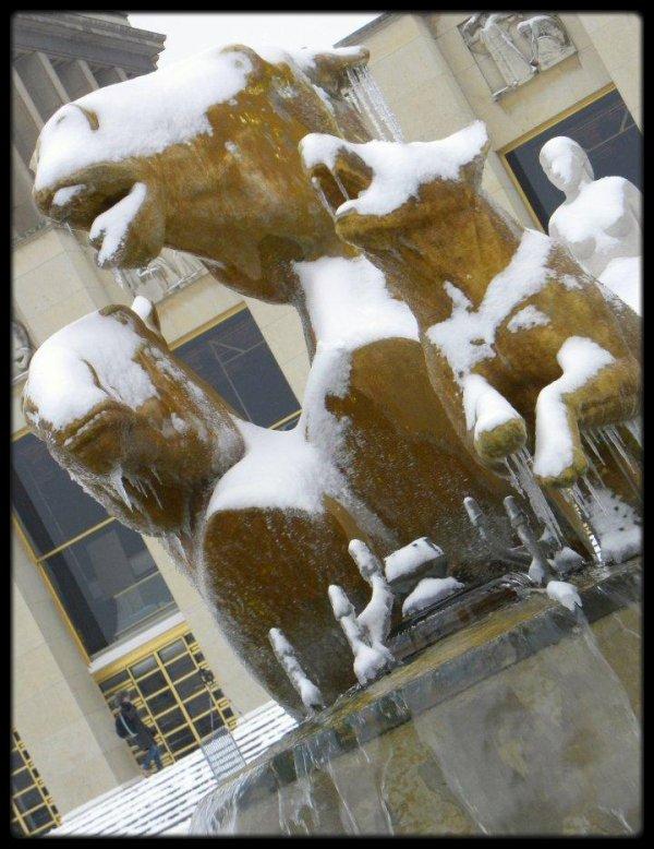 Statues givrées des jardins du Trocadéro