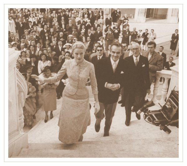 "Wedding Dress "" Civil "" - Grace Patricia Kelly _   Princess of Monaco"