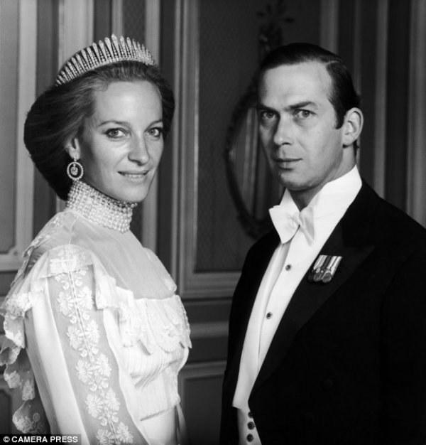 The Wedding Dress - Baroness Marie Christine  Von Reibnitz Vienna