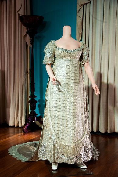 Wedding-Dress-Exhibition- England _  SUITE