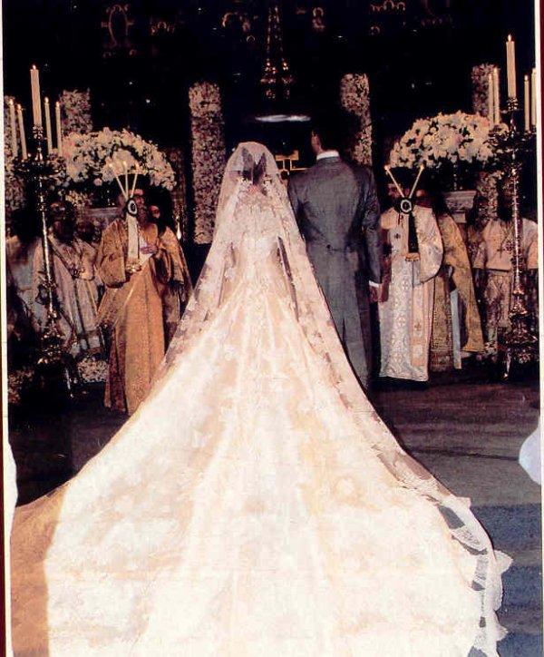 The Wedding Dress - Marie Chantal Miller  _ Crown Princess  of Greece