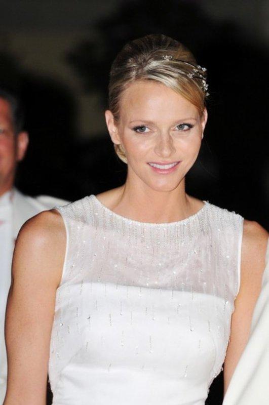 The Wedding Dress - Charlene Wittstock _ Princess of Monaco / Suite