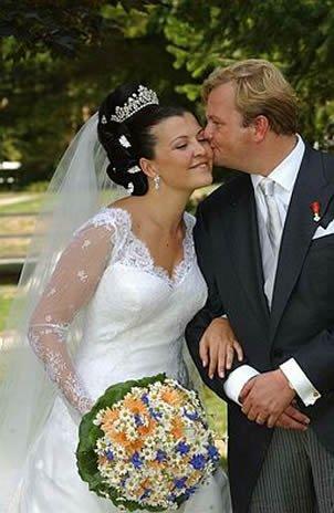 The Wedding Dress - Duchess Fleur of Württemberg _ 2003