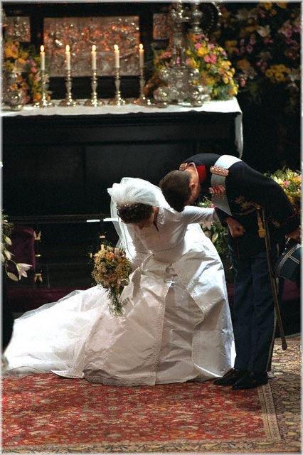 Wedding dress - Alexandra Manley , Princess of  Denmark _  1er